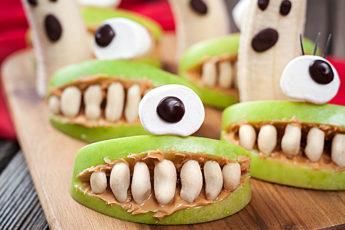 фруктовый десерт для Хэллоуина