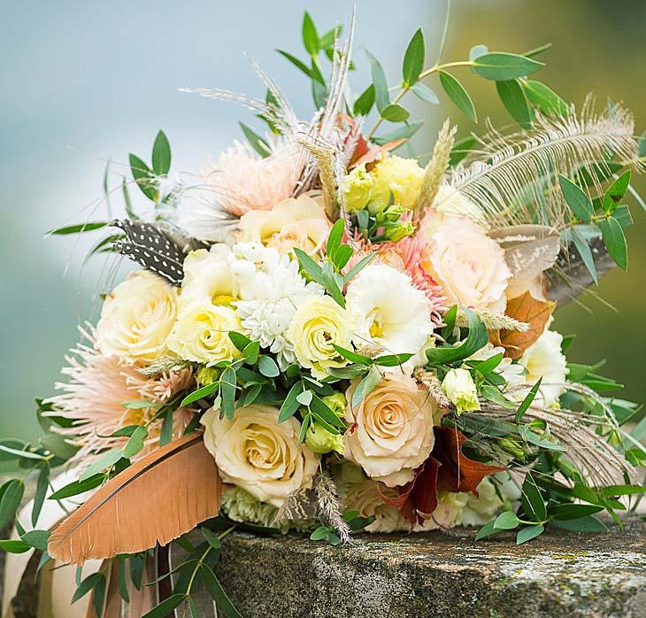 Романтический букет цветов